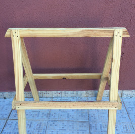 Cavalete madeira cru fixo (alugado APENAS com tampo de mesa)