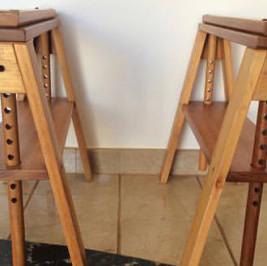 Cavalete madeira regulável (alugado APENAS com tampo de mesa)