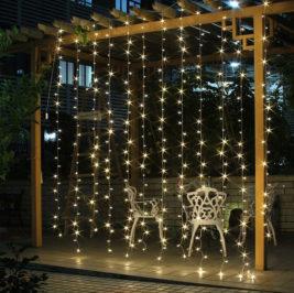 Cortina de Luz de Led – Cor: branco morno – fixa – 10 fios de luz e 300 lâmpadas